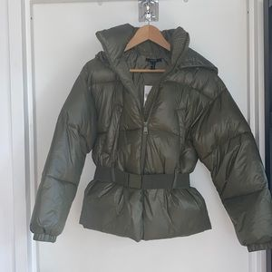 NWT WARM PUFFER JACKET WITH BELT AND HOOD